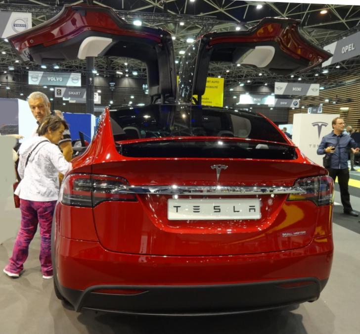 19 Salon Auto Lyon Tesla X AR