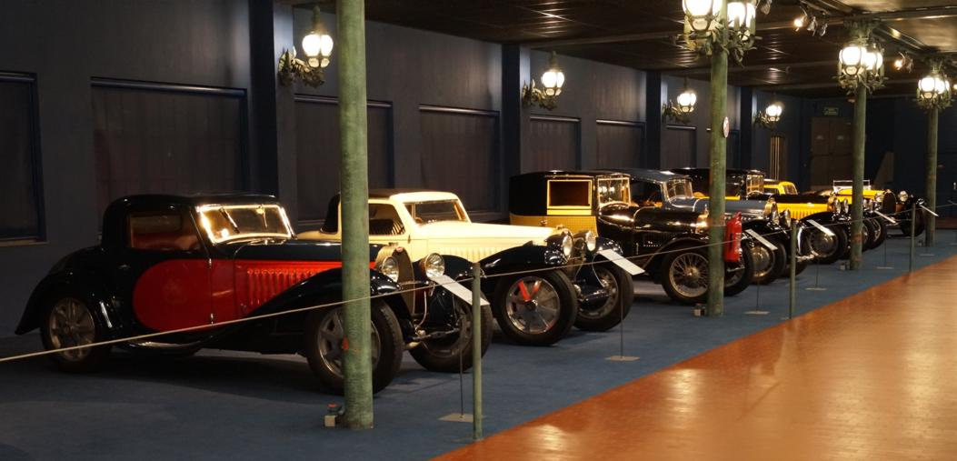 15 Cite Automobile CollectionSchlumpf Stand Bugatti